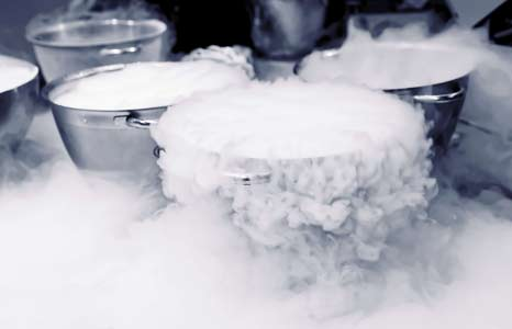 Making-ice-cream-with-liquid-nitrogen